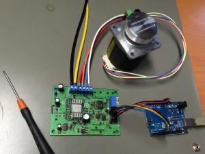 Testaufbau mit Arduino, Tiny-Step und Schrittmotor von Nidec Servo
